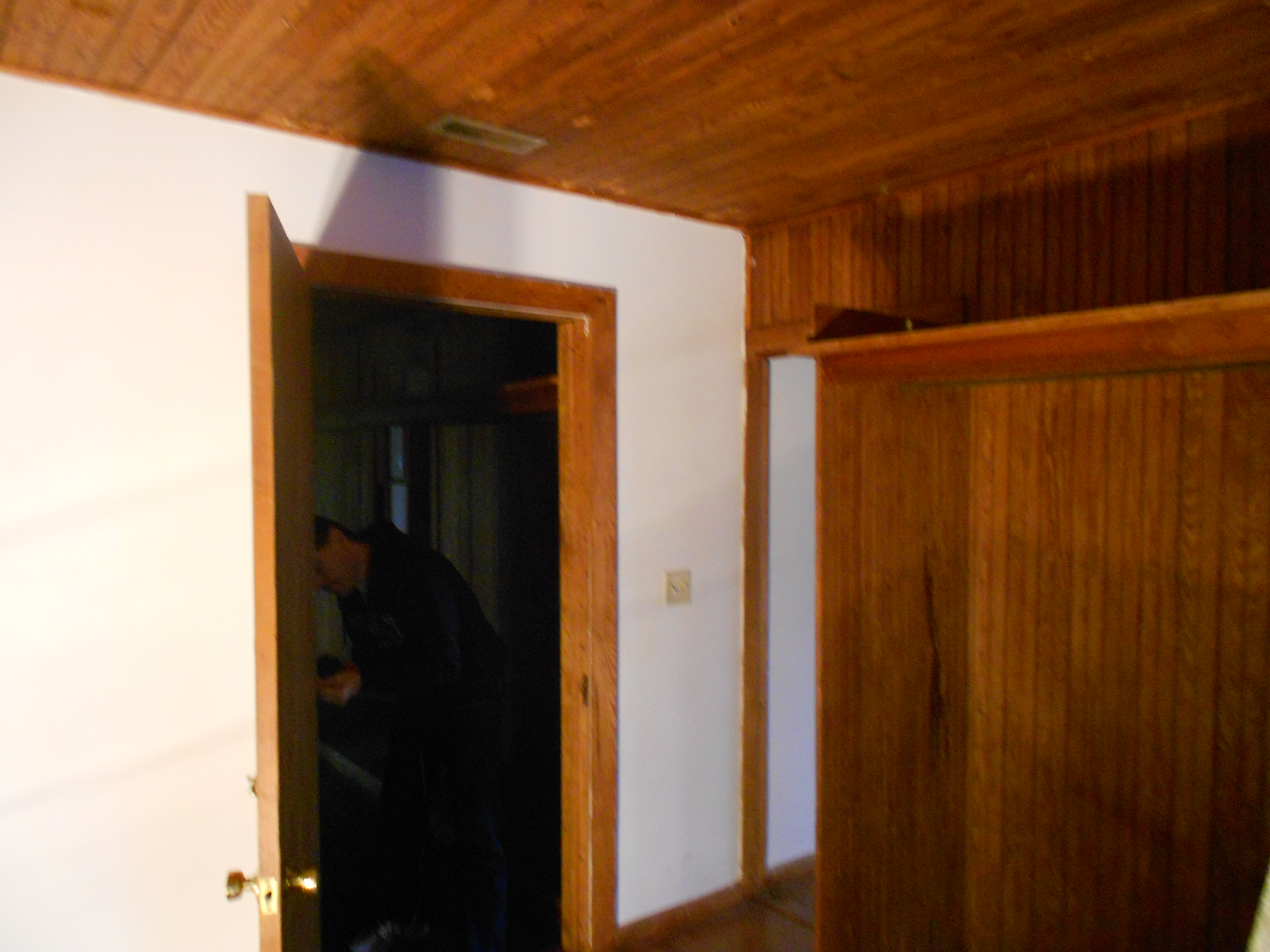 Door separating the apartments